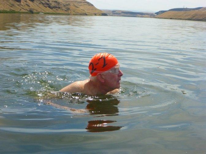 049-swimsnake-1240041